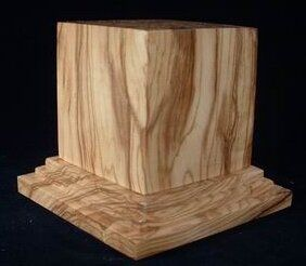Dioramaterials Olive Wood Base CM.6 x 6 H CM.8